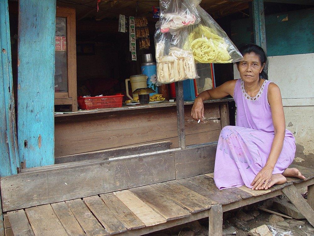 Jakarta Slum Warung Kopi